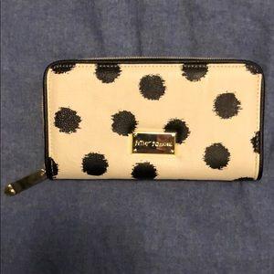 BNWOT Betsey Johnson wallet